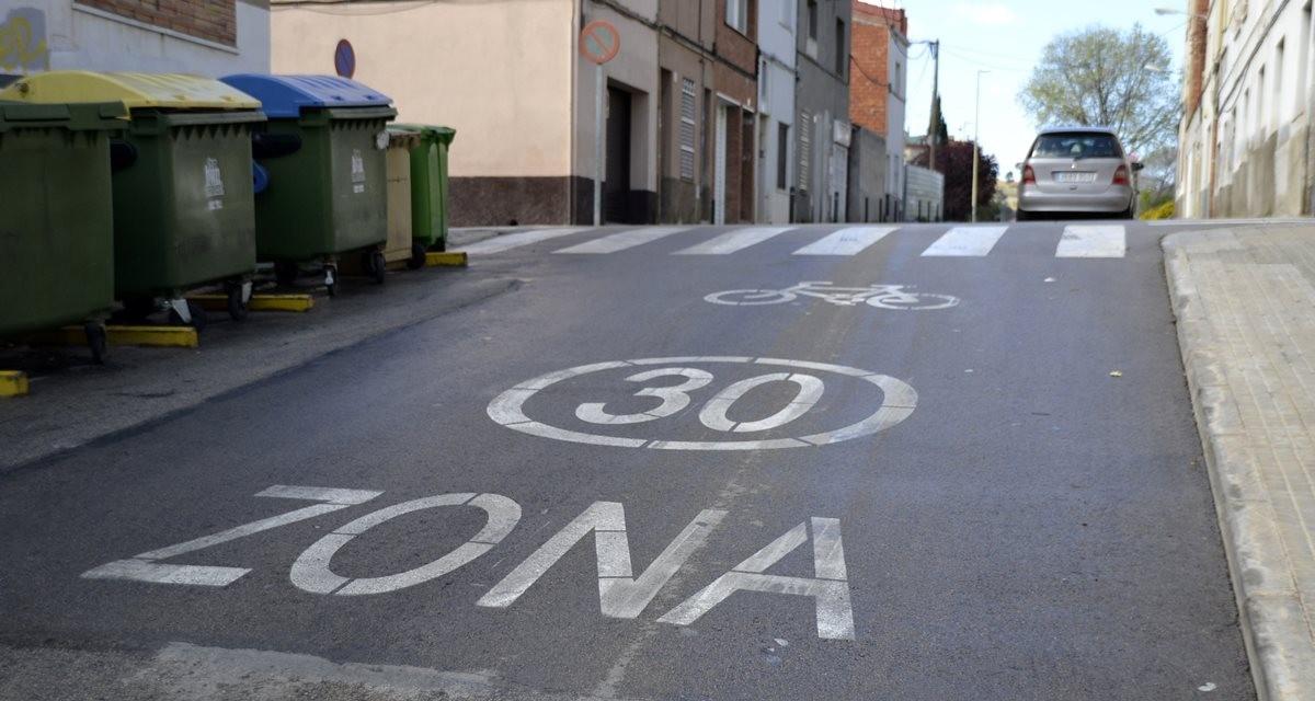 Indicadors de Zona 30 als carrers del barri del Segle XX. | Font: La Torre