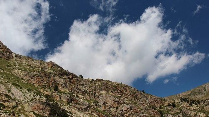 Els cims del Pirineu no se salven dels microplàstics (Albert Torelló-Flickr)