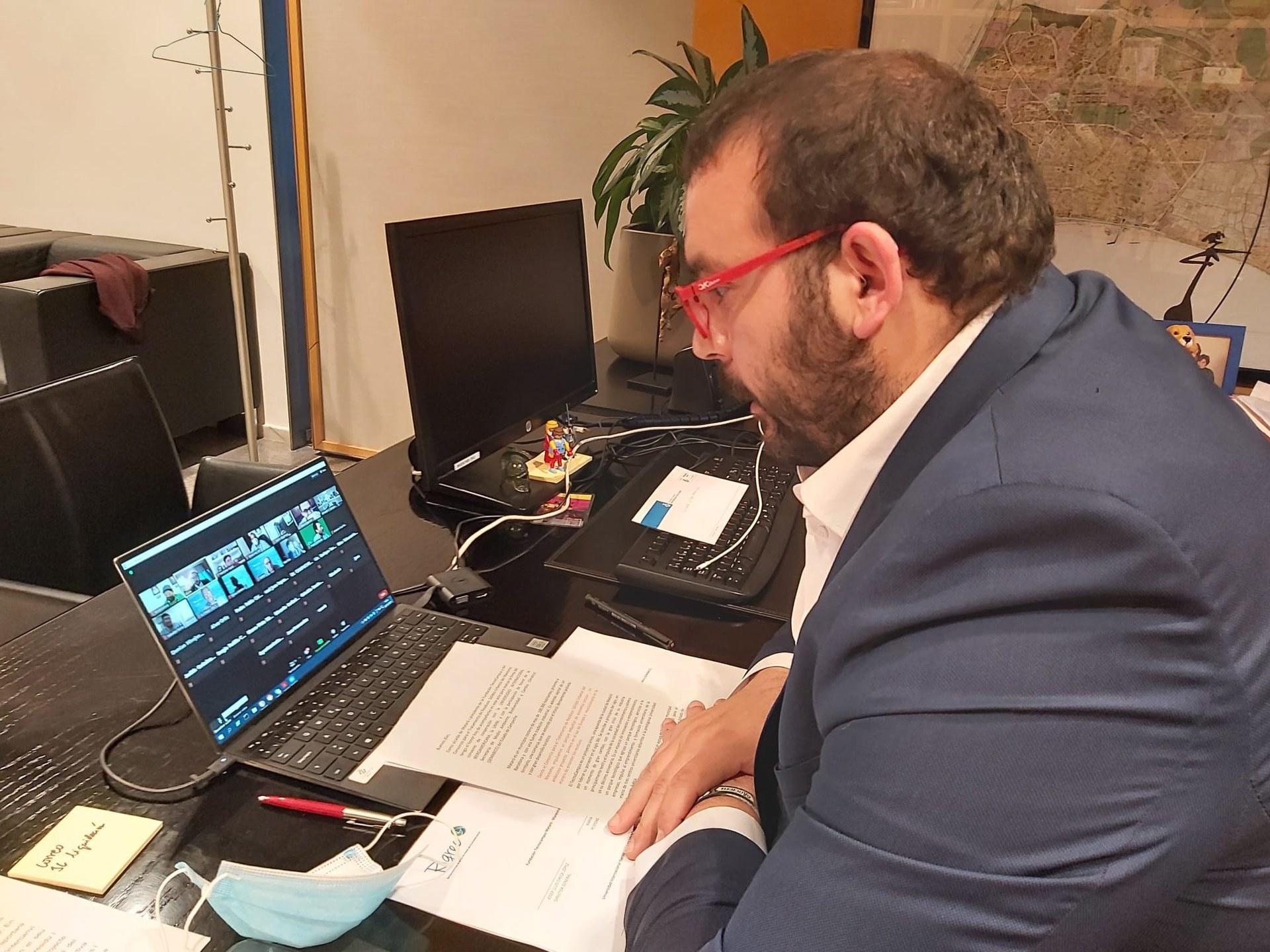 El president del Consorci de Residus, David Bote, a l'acte de signatura. Foto: Ajuntament de Mataró
