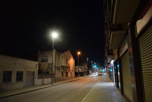 Noves lluminàries a l'avinguda de Santiga