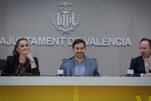 Sergi Campillo,Mirella Mollà i Thomas Reuter, han presentat un projecte per reciclar l'alumini i l'acer lleuger