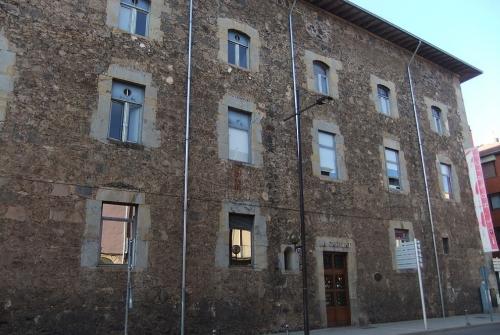 Una de les seus de l'Observatori del Paisatge és a l'Hospici d'Olot. | Arxiu NG.