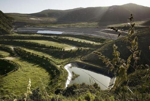 Abocador de la Vall d'en Joan, al massís del Garraf. AMB